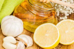 Honey,garlic and lemon. Natural medicine