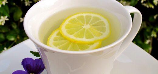 woda ciepla z cytryna