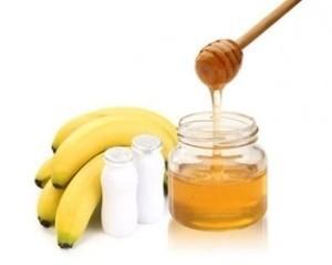 maseczka bananowa odmladza