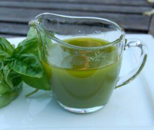 oliwa z oliwek z bazylia