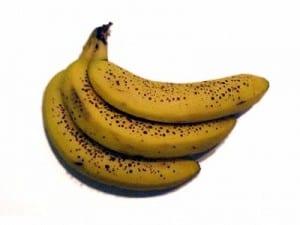 banan dojrzały z kropkami zdrowszy