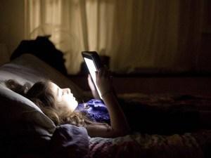 Niedobór snu prowadzi do otyłości, szybszego starzenia się i wielu innych zaburzeń