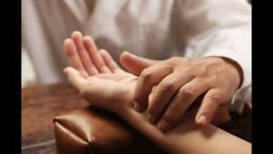 badanie pulsu ajurweda