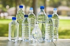 Woda w plastikowych butelkach może być toksyczna