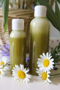 Szampon ziołowy wzmocni i zapobiegnie wypadaniu włosów - przepis