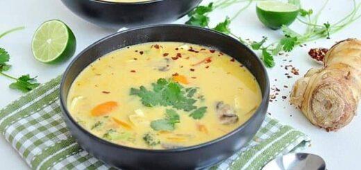 zupa tajska z jarzynami i pieczarkami