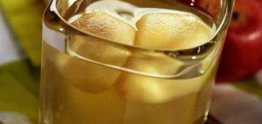 Kompot z jabłek z goździkami zapomniany smak dzieciństwa