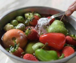 soda usuwa pestycydy z warzyw i owoców
