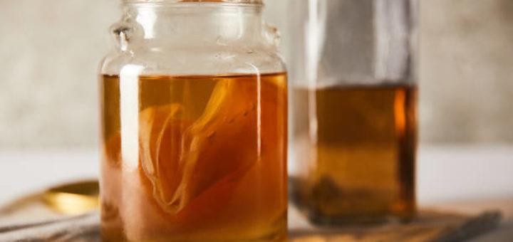 Kombucha - naturalny wzmacniając probiotyk. Przepis i działanie