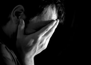 Ból fizyczny w różnych częściach ciała i jego emocjonalne podłoże
