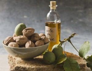zielone orzechy włoskie oliwa