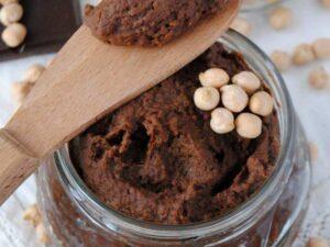 Krem czekoladowy z ciecierzycy - prosty przepis na krem zamiast Nutelli
