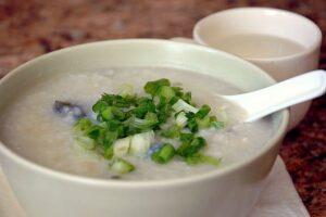 Congee - energetyczna potrawa w mnogości wersji i smaków