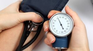Jak szybko obniżyć ciśnienie krwi w prosty sposób