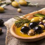 Zaparcia - recepty na poprawę pracy jelit. Zioła i trening brzucha