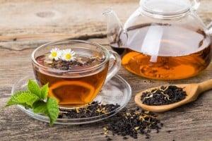 Czarna herbata. Jak parzyć by wydobyć aromat i właściwości