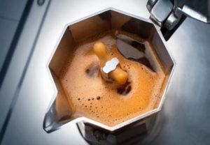kawa zdrowa zaparzana pod ciśnieniem