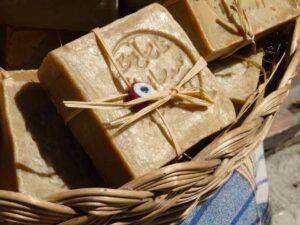 Szare mydło - tradycyjny niezbędnik w domowej apteczce