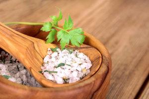 sól z lubczykiem ziołami