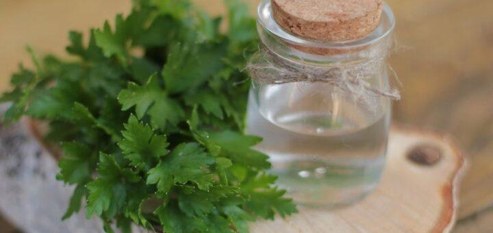 wody ziołowe toniki do twarzy