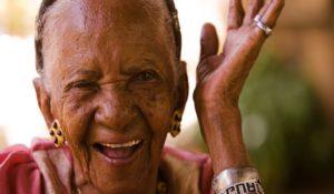więzi społeczne odporność długowieczność