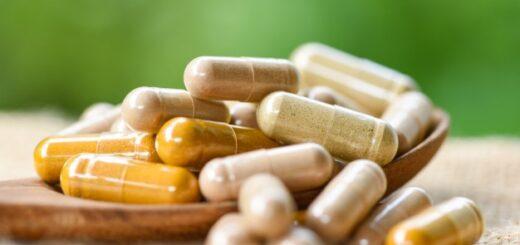 Leki przeciwwirusowe dostępne w aptece. Kiedy stosuje się preparaty antywirusowe